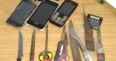 Requisan armas blancas y celulares en cárcel de Concepción