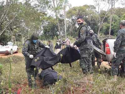 FTC halla dos cuerpos con vestimenta militar en Amambay