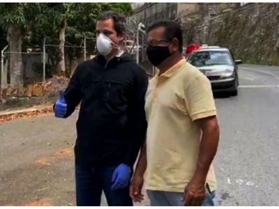 El opositor Guaidó reaparece en las calles por sorpresa