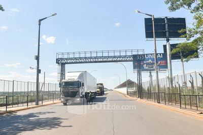 Gobierno mantendrá cerradas las fronteras y anunció asistencia a comerciantes