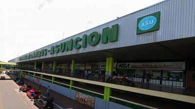 200 niños indígenas deambulan día y noche por la Terminal de Asunción