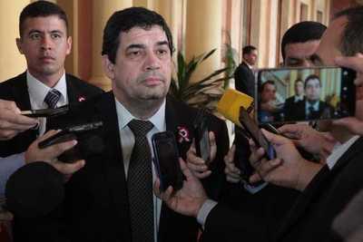 Velázquez se desmarca de proyecto para desmonopolizar la ANDE