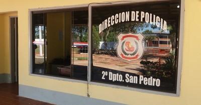 """Comisario sobre agresión: """"No veo que el efectivo policial le agarre del cuello a la mujer"""""""