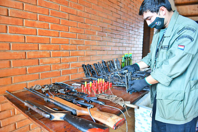 Requisan armas de fuego y trampas para animales en reserva forestal