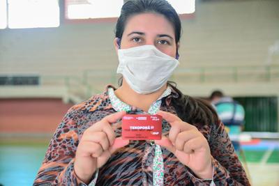 Beneficiarios de Tekoporã recibieron tarjetas nuevas