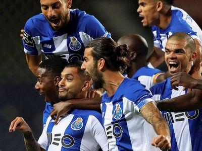 El mexicano Jesús Corona lleva a Porto al liderato