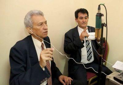 Sesión de la Corte,  en  guaraní y con señas