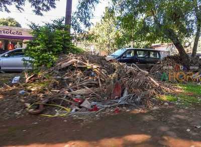 Áreas Habitacionales de Itaipú convertidos en un inmenso BASURAL