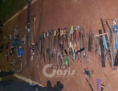 Estoques, lanzas y celulares fueron incautados en la cárcel de Pedro Juan