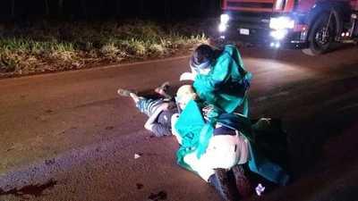 Choque frontal entre motos deja dos heridos graves en Minga Guazú