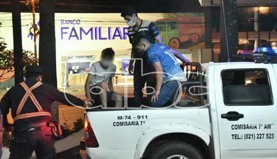 Tres detenidos tras ir en un auto ebrios, en contramano e intentando huir