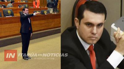 ABOGADO DENUNCIA AL DIPUTADO DAVID RIVAS ANTE LA FISCALÍA