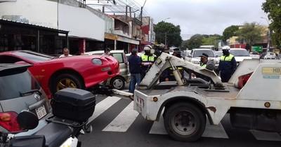 Se acabó semana de gracia: retiran vehículos mal estacionados en Eusebio Ayala