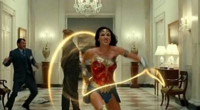 Warner Bros. retrasa los estrenos de 'Tenet' y 'Mujer Maravilla 1984'