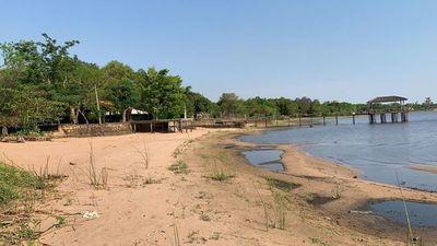 Agonizan las aguas del lago Ypacaraí por histórica bajante y contaminación