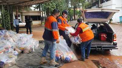 Trabajadores del volante reciben 2 mil kits de alimentos