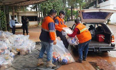 Entregan 2000 kits de alimentos a trabajadores del volante