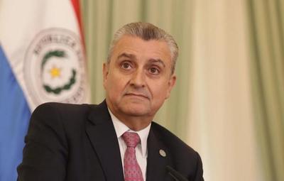 Villamayor confirma que recibió llamado de la senadora Martínez