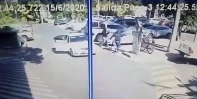 HOY / Hay dos detenidos por asalto a local gastronómico del Shopping del Sol