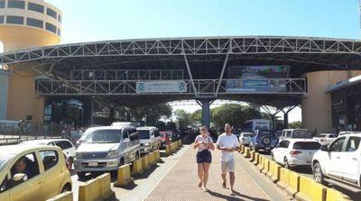 Comerciantes de Alto Paraná presentan carta a los presidentes de los Poderes del Estado y piden mayor asistencia