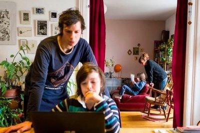 """""""Padres, no pierdan el tiempo con tareas, generen vínculos con los hijos"""" · Radio Monumental 1080 AM"""