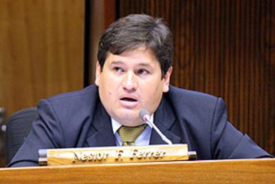 Nestor Ferrer entre quienes quieren frenar publicidad de declaración bienes