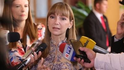 Rechazan y archivan pedido de interpelación a la ministra Bacigalupo
