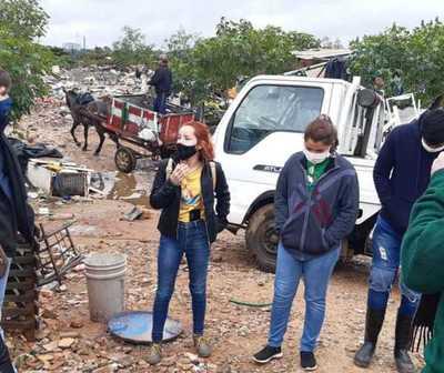 Jóvenes se unen para abrigar a familias carenciadas