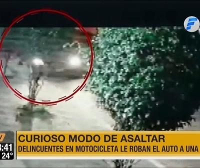 Simularon un accidente para robarle el vehículo