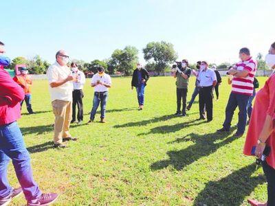 Encierran  a intendente en cuartel de Paraguarí