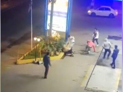 ¡De película! jóvenes protagonizaron una riña en San Antonio