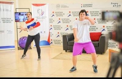 Diego González, primer instructor de Zumba con discapacidad
