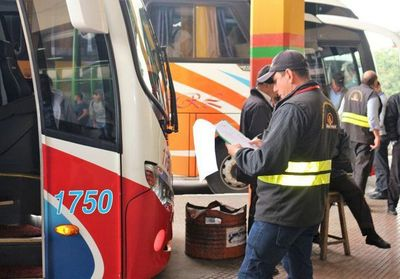 Habrá servicio de buses al interior este fin de semana