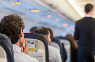 Todo lo que no podrás volver a hacer en un viaje en avión debido al Covid-19