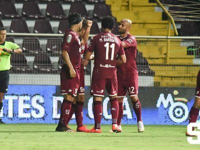 Fútbol suspendido por explosión de casos en Costa Rica
