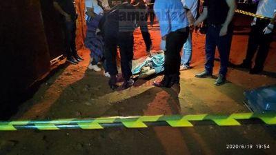 Hombre muere baleado al resistirse a un asalto