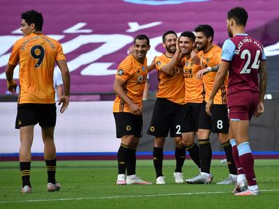 Wolves gana y se ilusiona con ser de Champions