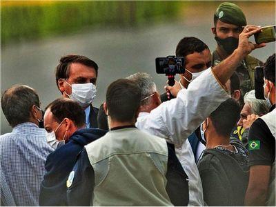 """Brasil se desdibuja en  una """"policrisis"""" agravada por el virus"""