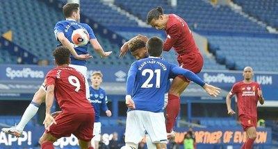 El Liverpool empató y alarga su campeonato