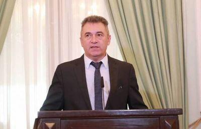 Titular de ANDE dice que no renunciará y promete solucionar sobrefacturaciones