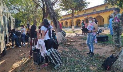 Más compatriotas regresan a sus hogares tras cumplir cuarentena en Misiones