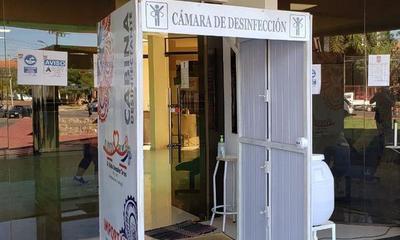 Túnel de desinfección no recomendadas por el MSPyBS también fueron colocadas en la entrada de la Municipalidad – Prensa 5