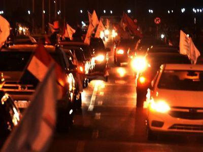 Extensas caravanas contra la corrupción en varios lugares