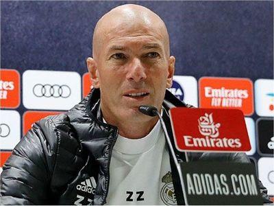 Zidane se muerde la lengua por los horarios