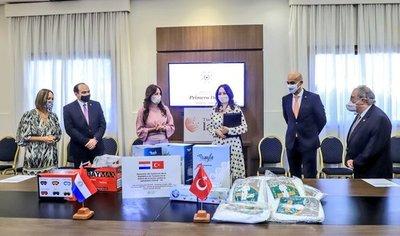Turquía dona a Paraguay 281.000 insumos médicos por valor de US$ 1.400.000