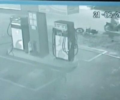 "Guardia salva a dos mujeres de ser asaltadas por ""motochorros"""