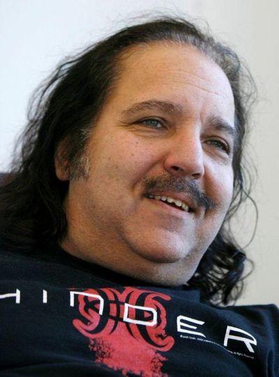 Estrella del porno Ron Jeremy es acusado de violación y agresión sexual