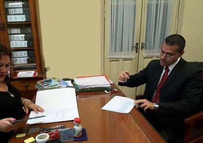 """Hablan de """"lucha"""" entre Quiñónez y Velázquez para control de la Fiscalía en Alto Paraná"""