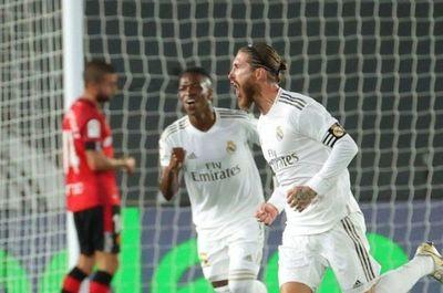 Vinicius y Ramos solventan la primera defensa del liderato del Real Madrid