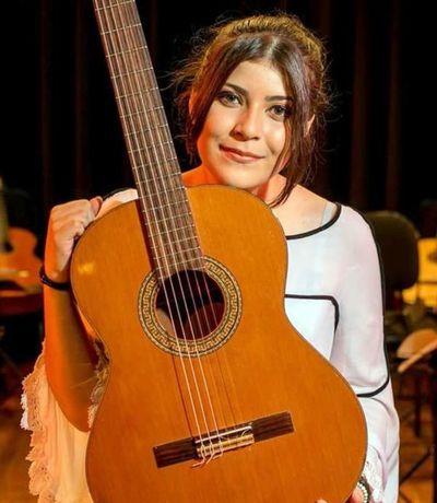 Ally Gómez ofrece hoy una peña online